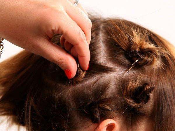cách làm tóc xoăn bằng dây thun