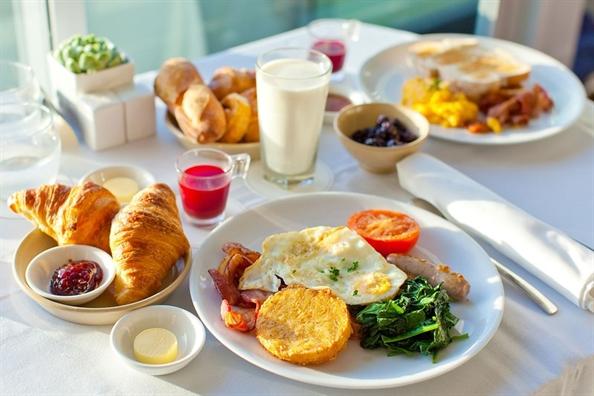 Chế độ ăn hợp lý có thể cải thiện tình trạng viêm da tiết bã