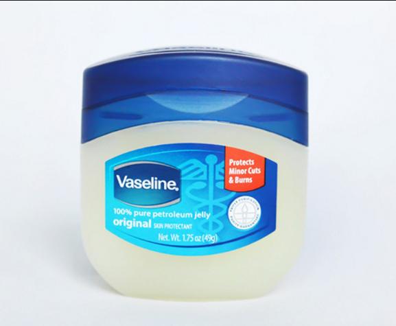 dưỡng mi bằng vaseline