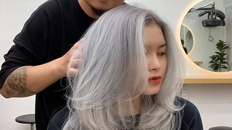 hạn chế nhuộm uốn tóc