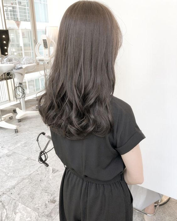 Kiểu tóc duỗi uốn đuôi
