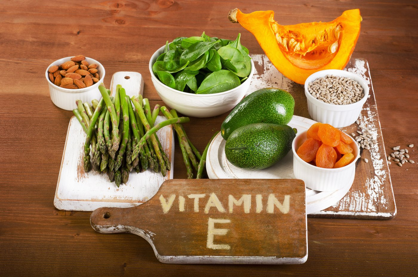 làm căng da mặt bằng vitamin e