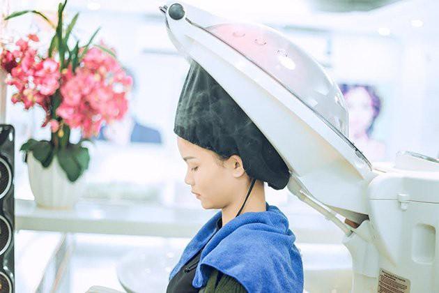 liệu pháp dùng dầu nóng cho tóc