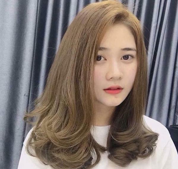 Màu tóc nâu tây rêu