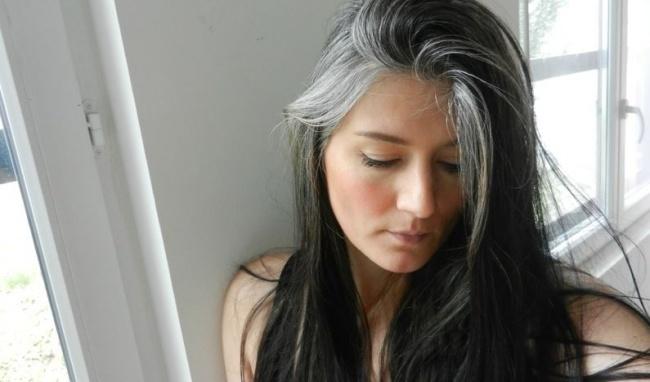 nguyên nhân tóc bạc sớm ở tuổi trẻ