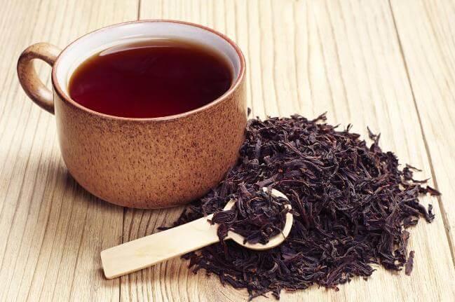 Nhuộm lông mày bằng trà đen