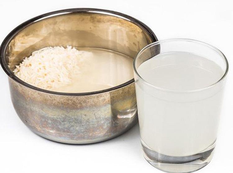làm mềm mượt tóc bằng nước vo gạo