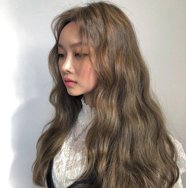 tóc màu nâu ánh rêu