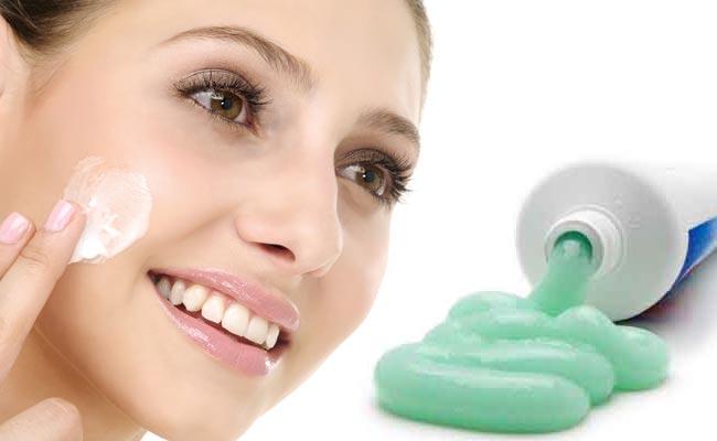 Giảm thâm mụn đơn giản tại nhà bằng kem đánh răng